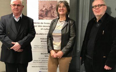 Lëtzebuerger Bicherfrënn – Les Amis du Livre asbl font un don de 5.000 € à l'ASTI