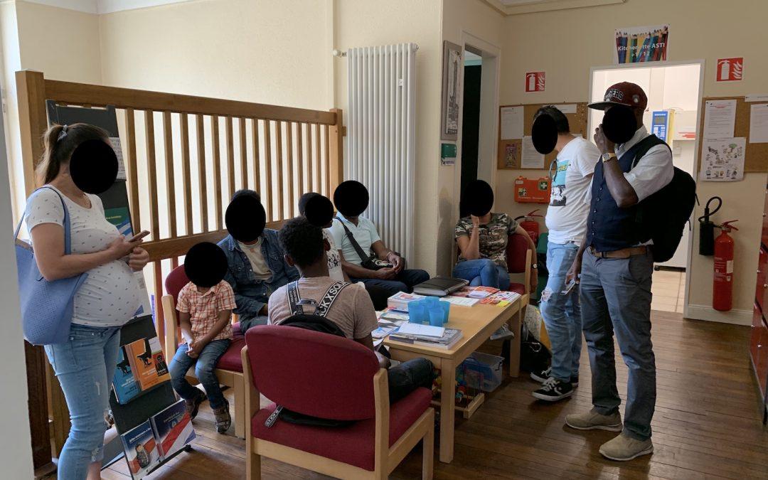 Guichet Info-migrants: des histoires sans nom ni visage